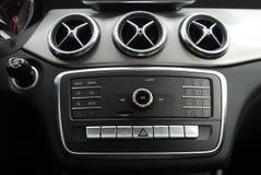 在汽车内部的控制板 免版税图库摄影