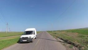 在汽车的仪表板照相机,驾驶在多布罗加,罗马尼亚 股票录像