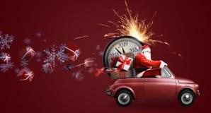 在汽车的圣诞老人项目读秒 图库摄影