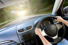 在汽车里面的运动速度 库存图片