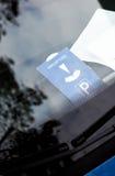 在汽车仪表板的停车处时钟我 库存图片
