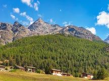 在沃利斯瑞士州的看法在秋天 免版税库存图片