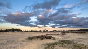 在沙丘的日落在Hoge Veluwe 图库摄影