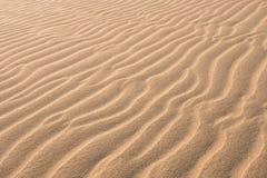 在沙丘的波浪在泰国党在Boavist使Praia de泰国党靠岸 库存照片