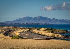 在沙丘的路 免版税图库摄影