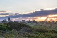 在沙丘草的夏天日落在纽波特,罗德岛州 库存图片