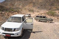 在沙姆山山阿曼的越野车 库存图片