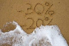 在沙子得出的销售百分之 免版税库存照片