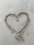 在沙子的大心脏 库存图片