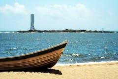在沙子的小船 免版税库存照片