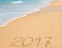 在沙子的数字2017年 库存照片