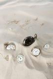 在沙子的时钟 图库摄影