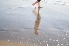 在沙子的步骤 图库摄影