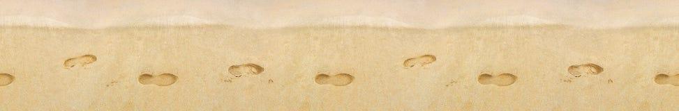 在沙子的脚印 背景几何老装饰品纸张葡萄酒 免版税库存照片