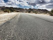 在沙子的路 免版税库存照片