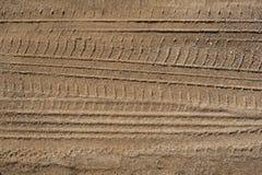 在沙子的轮胎跟踪 库存照片