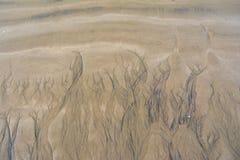 在沙子的水凹线 免版税库存照片