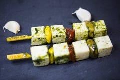 在沙拉,乳酪,开胃菜的希脂乳 免版税图库摄影