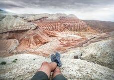 在沙漠山的旅行的概念 免版税库存照片
