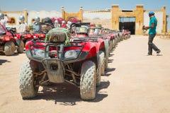 在沙漠的方形字体旅行在Hurghada附近 免版税库存照片