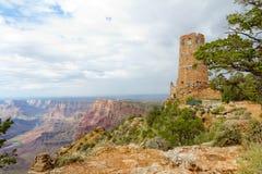 在沙漠视图的手表塔 免版税库存图片