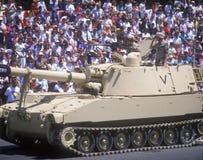 在沙漠风暴军事游行的坦克,华盛顿特区, 库存图片