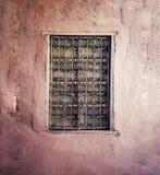 在没有场面的黄色Ferforje窗口 免版税库存照片