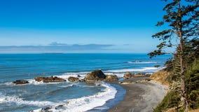 在没有的海滩的海堆 4 库存照片