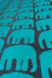在沥青纹理背景绘的大象 免版税库存图片