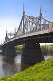 在河伏尔加河的桥梁 免版税库存图片
