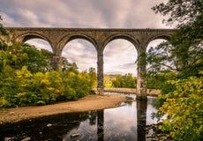 在河南泰恩河的Lambley高架桥 免版税库存照片