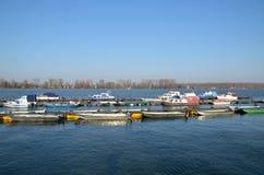 在河多瑙河的小船 库存图片