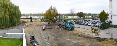 在河多瑙河附近的建筑工地 库存图片