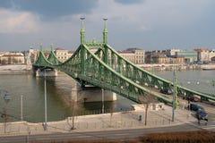 在河多瑙河,布达佩斯,匈牙利的自由桥梁 图库摄影