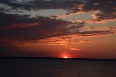 在河岸的黎明 库存照片