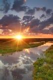 在河岸的黎明 图库摄影