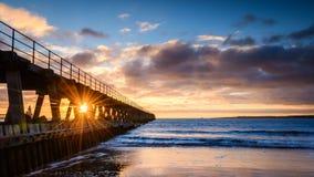 在河布莱斯港口西部码头的旭日形首饰 免版税库存图片