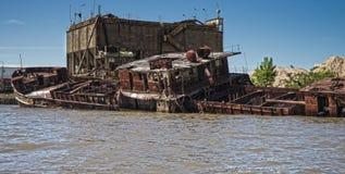 在河床队三角洲的凹下去的小船,阿根廷 免版税图库摄影
