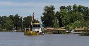 在河床队三角洲的小船,阿根廷 免版税库存照片