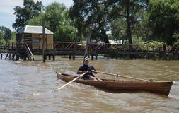 在河床队三角洲的小船,阿根廷 库存照片