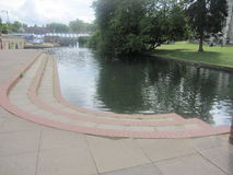 在河旁边 免版税图库摄影