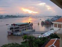 在河日出的湄公河 库存图片