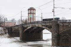 在河沃洛格达州,俄罗斯的10月桥梁 库存图片