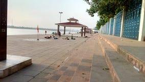 在河甘加的Ghat 免版税库存图片