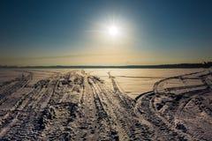 在河的冬天风景 Berdsk,西伯利亚,俄罗斯 库存照片