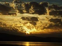 在河的塔斯马尼亚的日落 库存照片