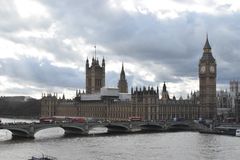 在河的大本钟伦敦 免版税库存图片