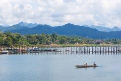 在河的小船在泰国 免版税库存照片