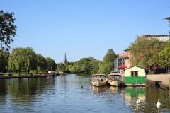 在河的小船斯特拉福在Avon的 免版税图库摄影