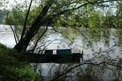 在河的小船 图库摄影
